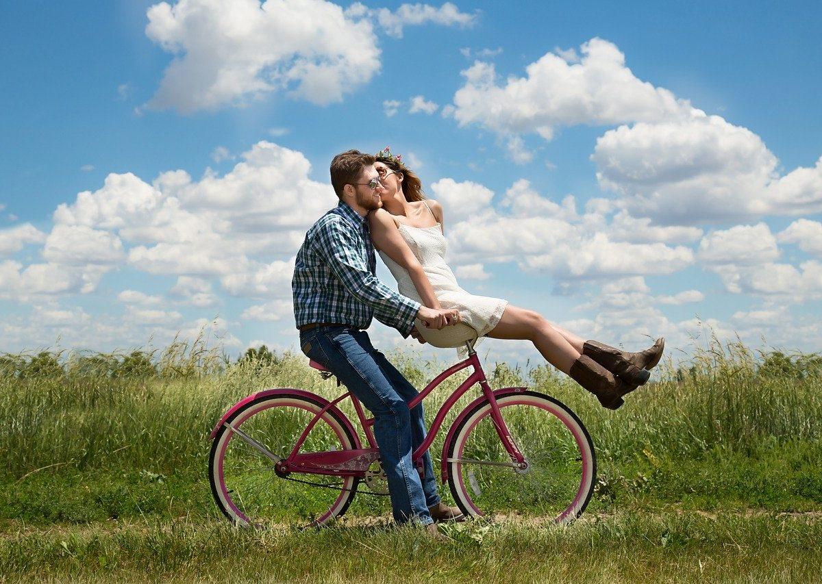 Ormone dell'amore: perché l'ossitocina si chiama così