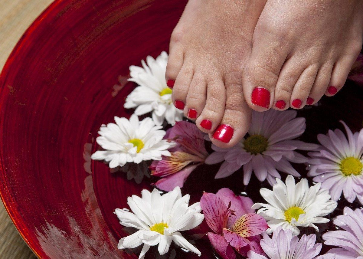 Pedicure casalingo: 2 ingredienti per piedi bellissimi