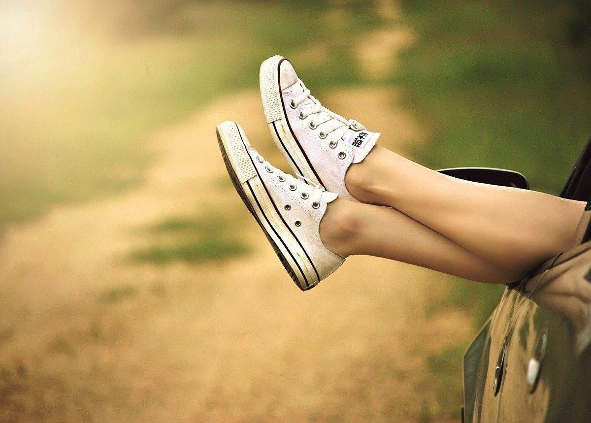 Cattivo odore delle scarpe: i rimedi per combatterlo