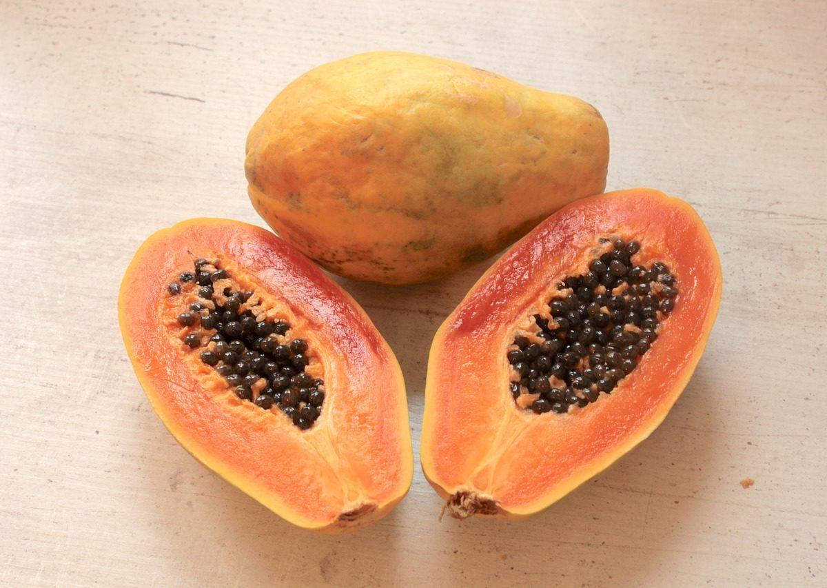Pelle perfetta con la papaya. Prenditene curain modo naturale