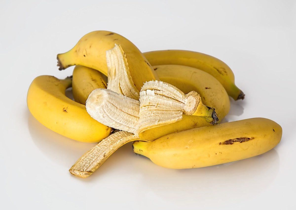 Bucce di banana contro l'acne, il miglior rimedio contro il problema