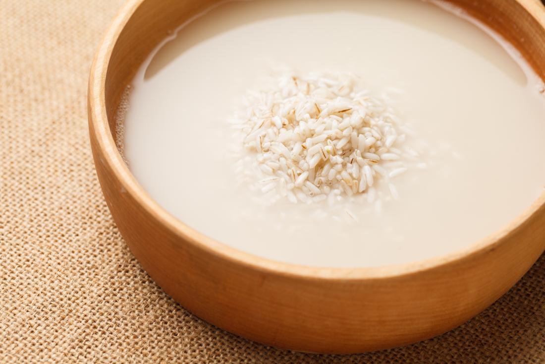 Acqua di riso: il preparato miracoloso per i tuoi capelli
